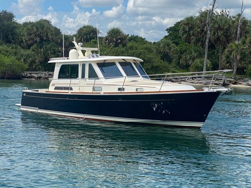 Sabre-Salon Express 2014-SEACLUSION Jupiter-Florida-United States-Sabre 42  Seaclusion  Exterior Profile-1795661-featured