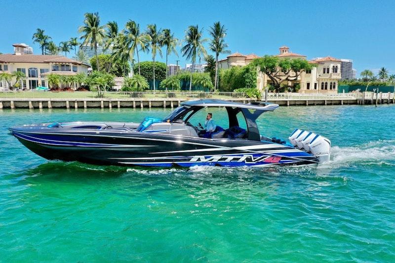 MTI-V42 2016 -Miami Beach-Florida-United States-1749535-featured