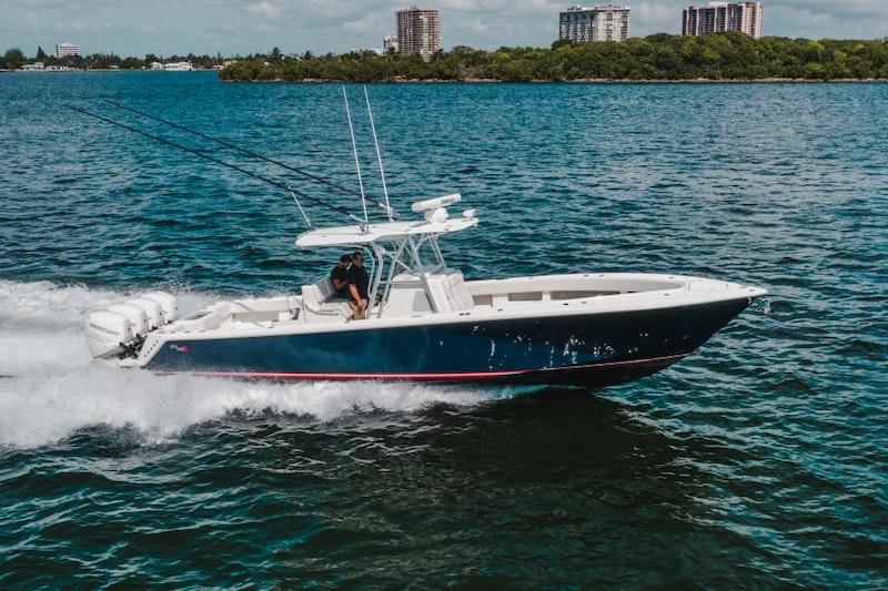 SeaVee 2015-Showtime Sunny Isles-Florida-United States-SeaVee 39  Exterior Profile-1755419-featured