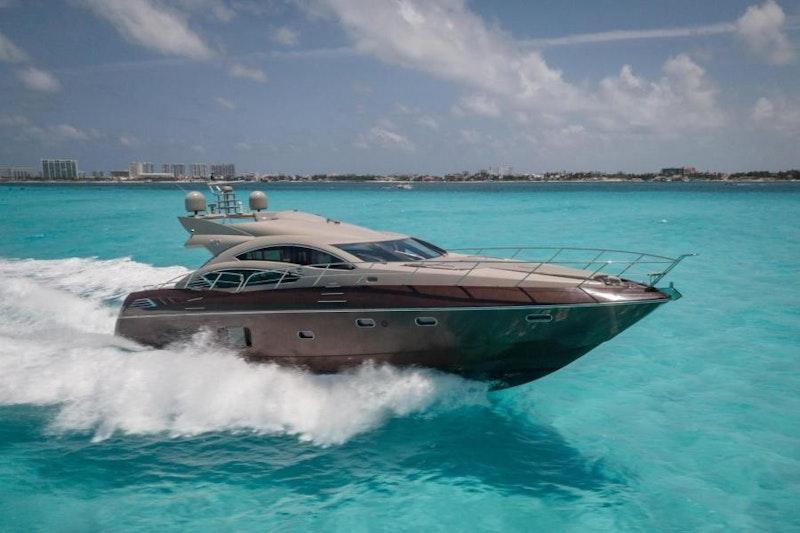 Sunseeker-Predator 2010-YTO Cancun-Mexico-1796748-featured