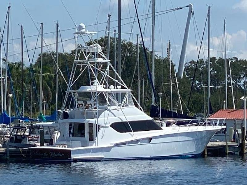 Hatteras 2004 -Florida-United States-1810254-featured