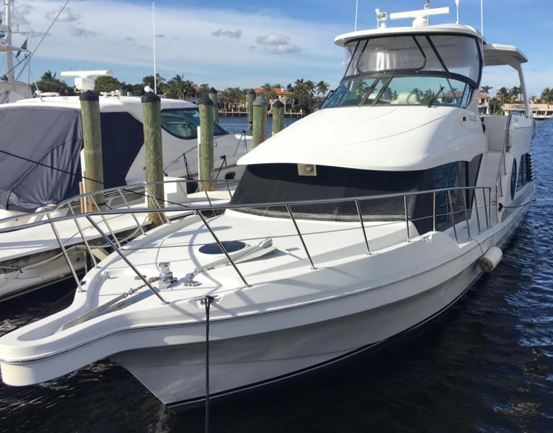 Bluewater Yachts-millennium 2001 -Ft Lauderdale-Florida-United States-Bow-533888-featured